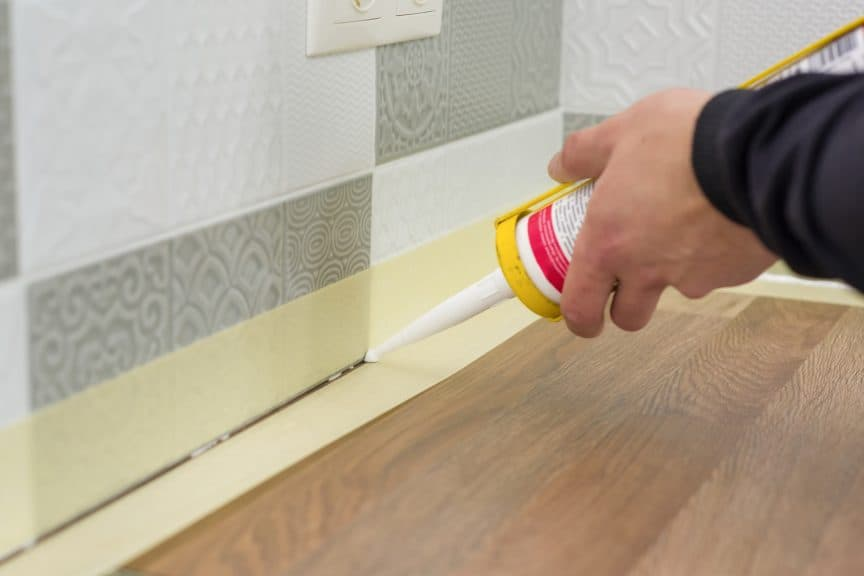 Applying Unsanded Caulk